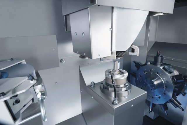 Hard turning and grinding of transmission components with the VLC 200 GT from EMAG