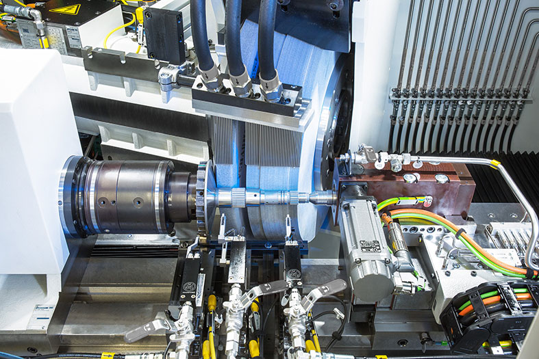 Rundschleifmaschine HG 208: perfekte Wellenbearbeitung