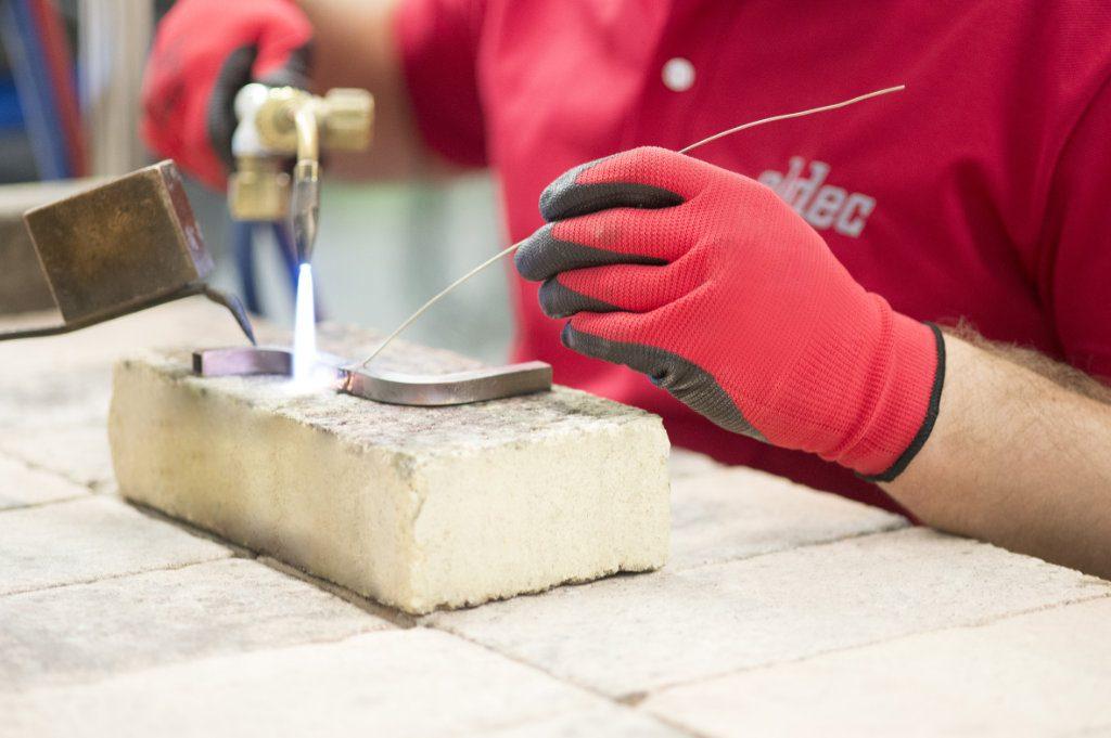Induktorenbau bei eldec – anspruchsvoller Manufakturprozess
