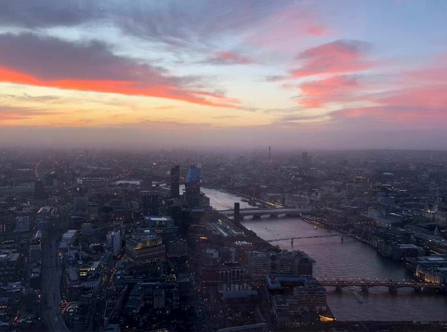 London - Blick aus dem Flugzeug
